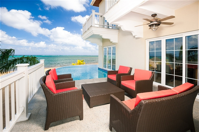 Roatan Life Vacation Rentals, Sandy Bay