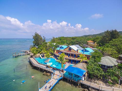 The Mansion at Caribe Tesoro, West Bay