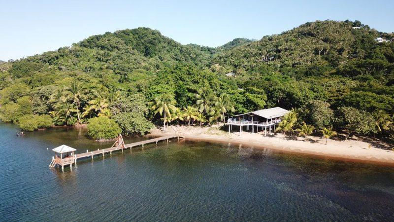 The Beach House @ The Sanctuary in Sandy Bay (Sleeps 6)